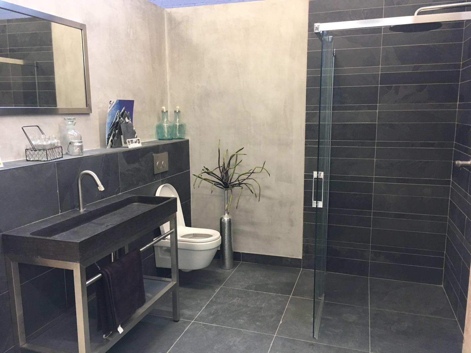 MEGA Tegels & Badkamers: dé badkamerspeciaalzaak