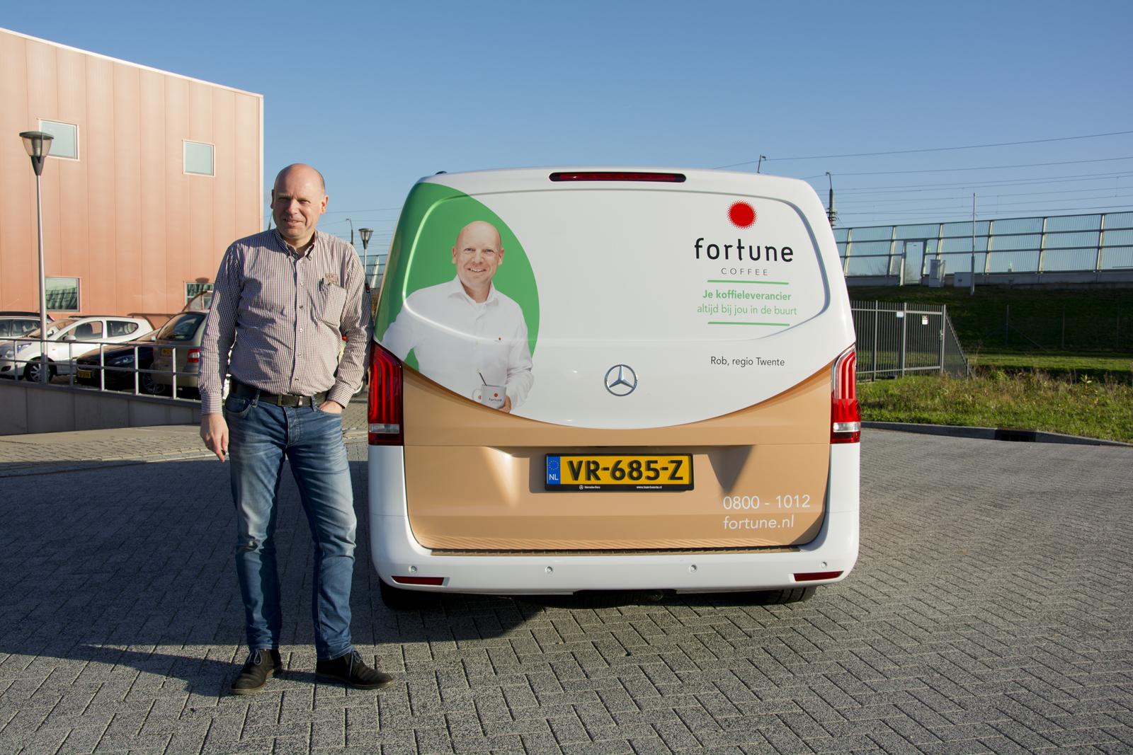 Fortune ondernemer voor zijn bedrijfswagen