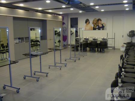 Sinds de opening van het AMI huis in 2010 verzorgen wij interne trainingen voor onze medewerkers. Daarnaast is de ruimte te gebruiken voor shoots en metamorfoses voor AMI Magazine