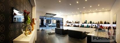 Specialist in fashionable schoenen & tassen