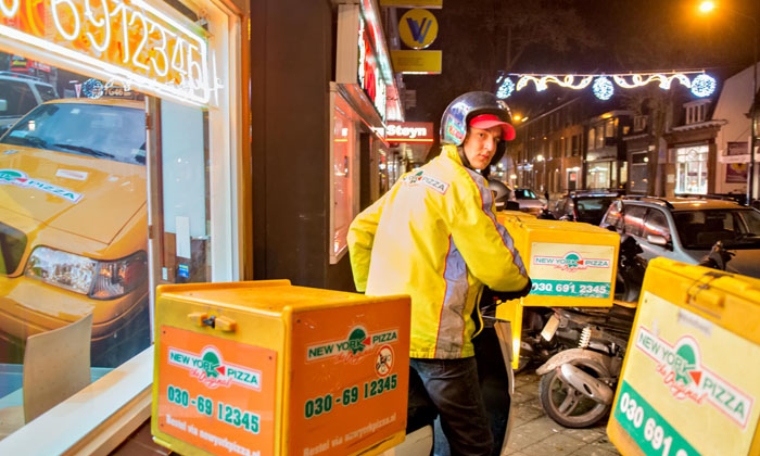 New York Pizza-koeriers in Rotterdam uitgerust met bodycam ... Multivlaai