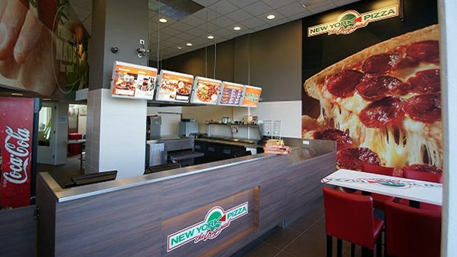 New York Pizza Past Openingstijd Op Zondag Aan Voor De Klant De