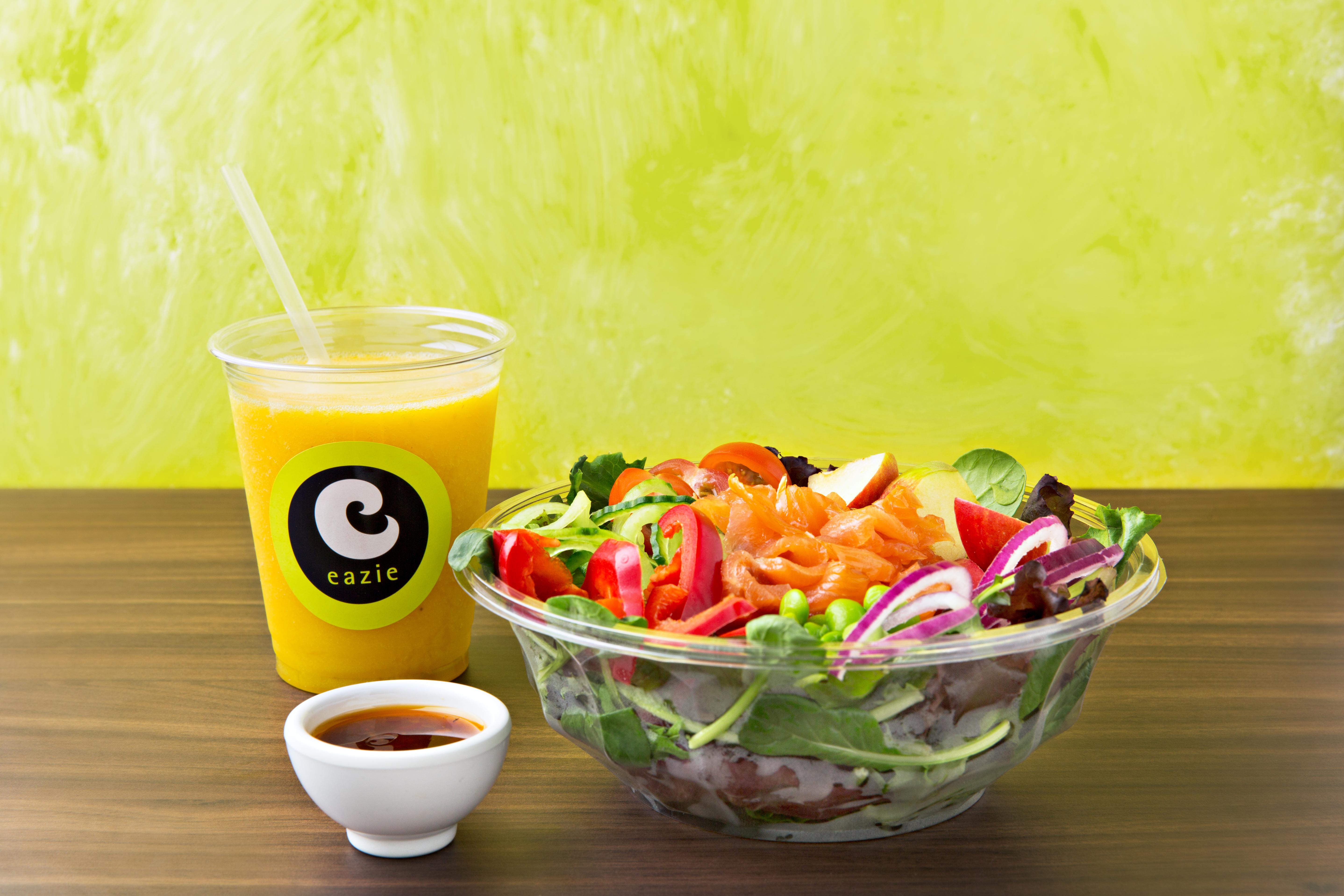 fruitylicious smoothie + sunny salmon salade