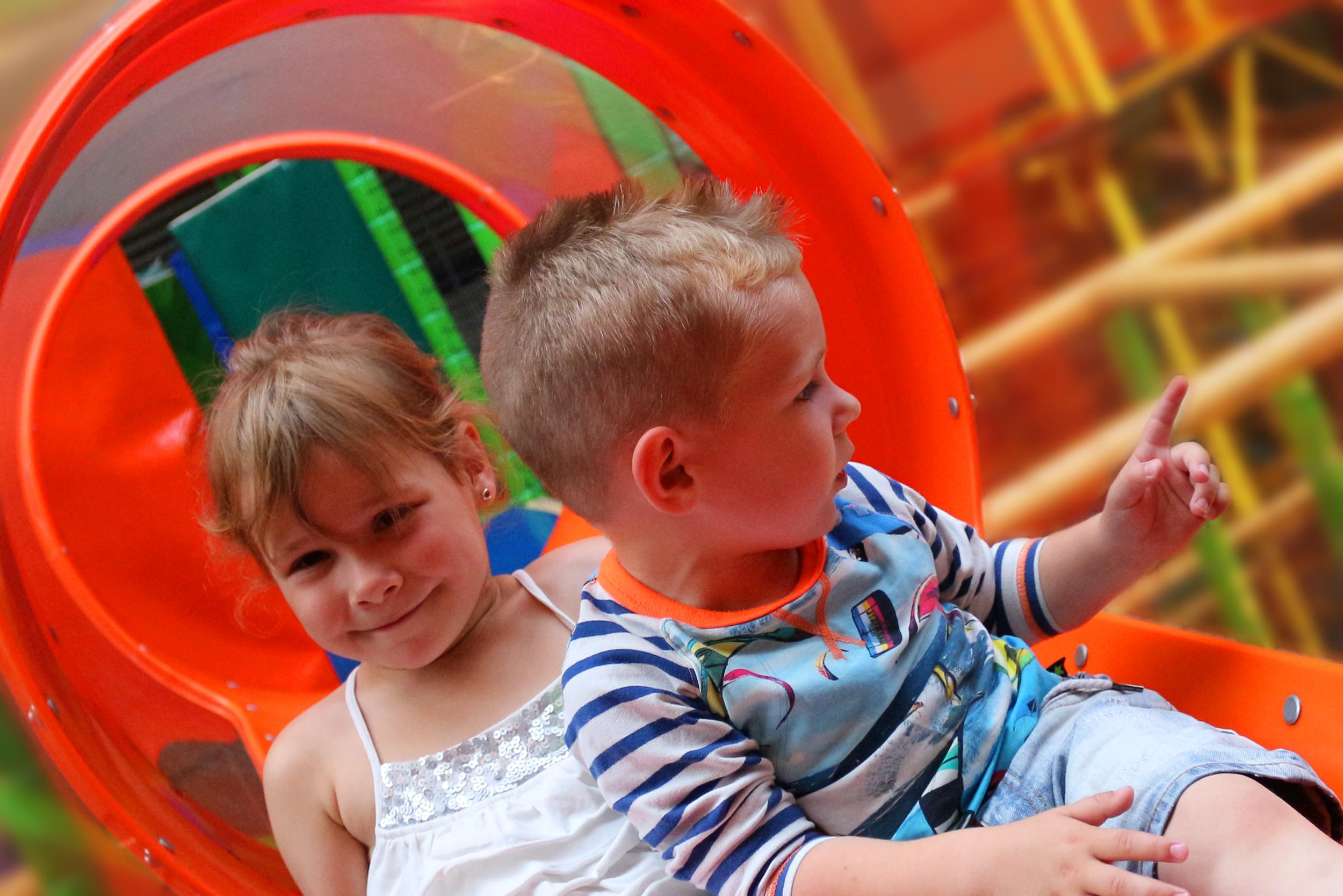 Indoorspeelparadijs voor kinderen van 1 tot 12 jaar.